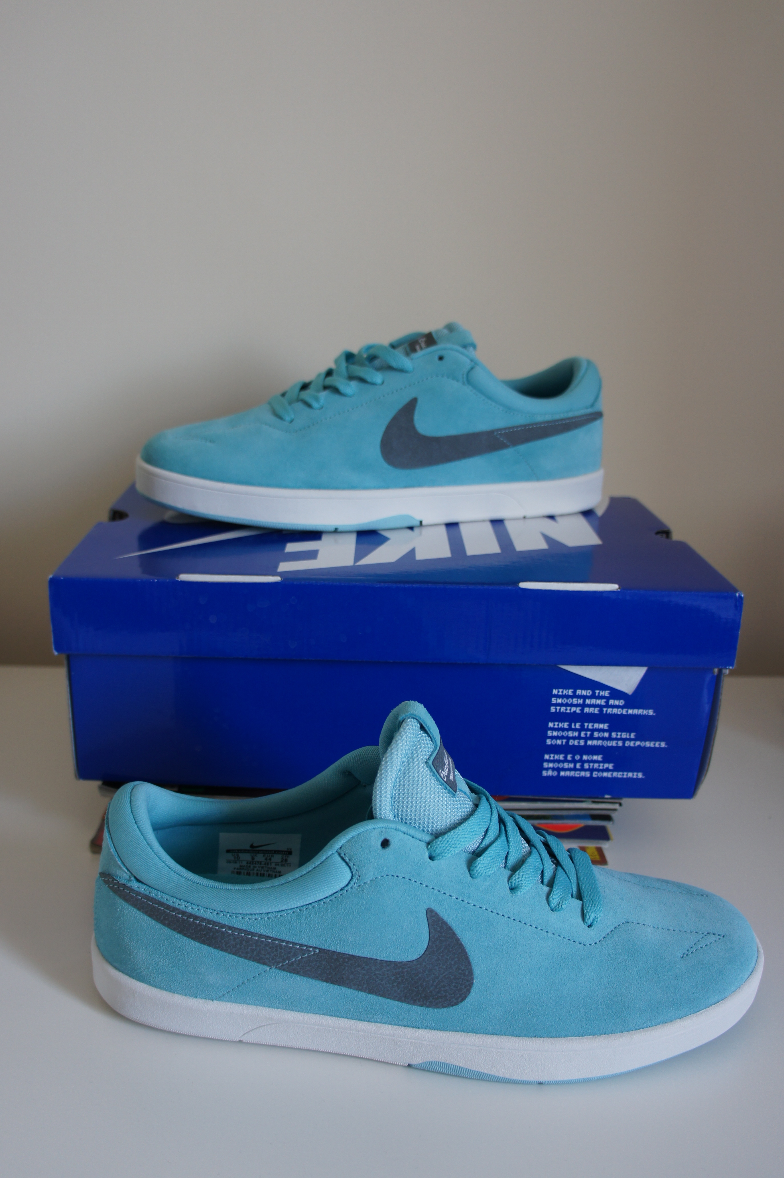 Another pair of Koston 1's, this time in 'Paradise Aqua'. Nike did such a  good job on this model, yet to skate a pair but know they'll be a great skate  shoe ...
